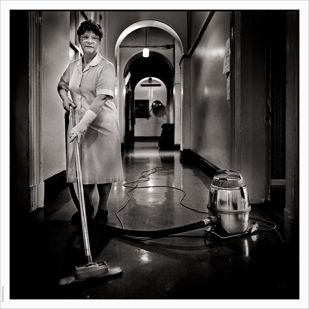 Housekeeping 2, foto di Gary Rowlands, fonte Flickr